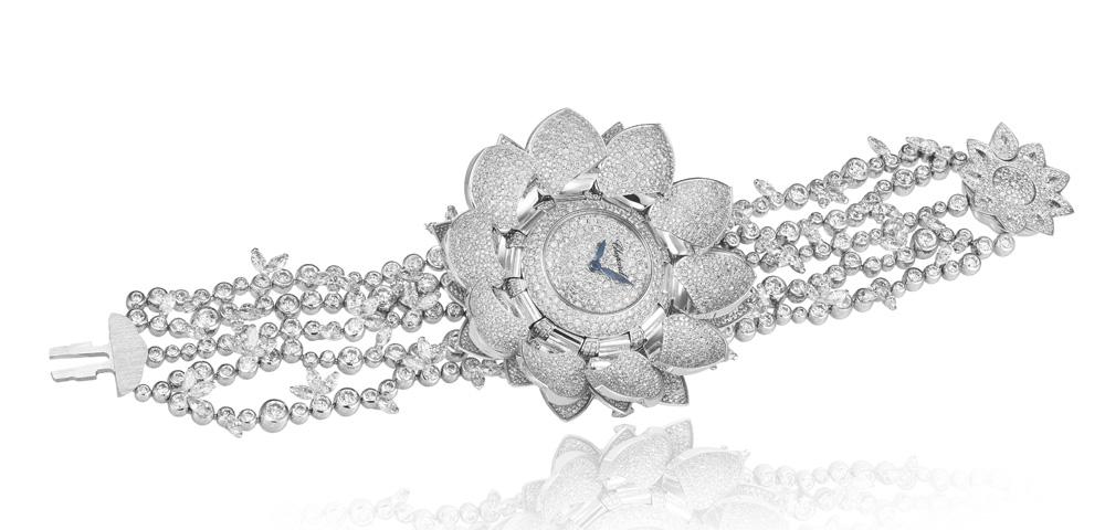 Reloj secreto Lotus Blanc de Chopard abierto