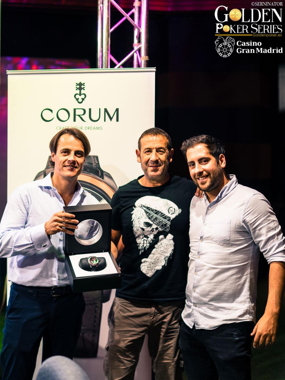 Daniel Nicols, vicepresidente Grupo Nicol's; Juan Manuel Pastor, tercer ganador Poker Golden Series Casino Madrid y Fernado Heredia, organizador del circuito de póker