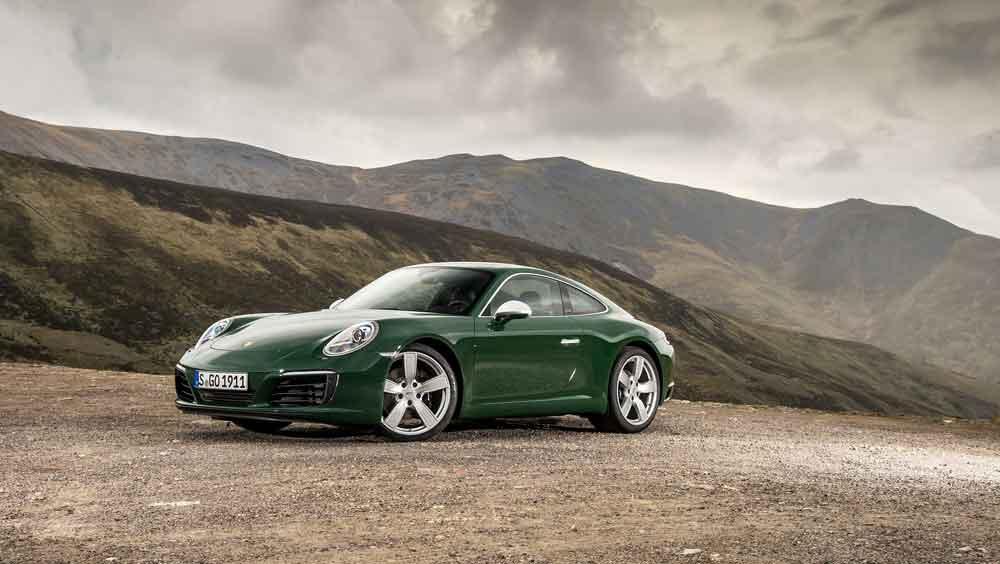millón Porsche 911 Carrera S Coupe de color verde unidad un millón