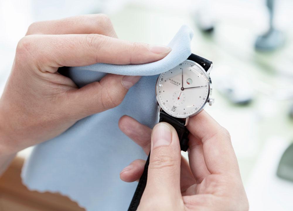 Reloj Nomos Glashütte (Departamento de Calidad)