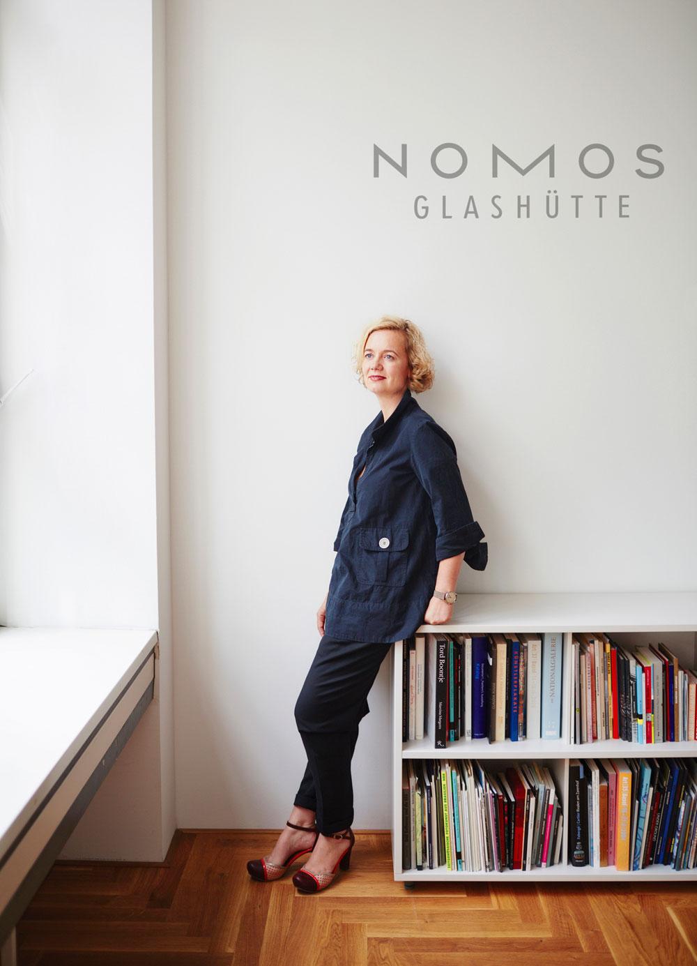 Judith Borowski es la responsable de las campañas de publicidad y diseño de la firma relojera Nomos Glashütte