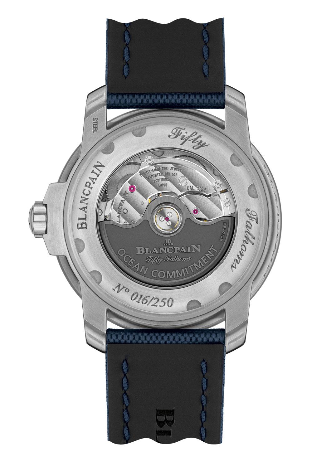 Fondo con calibre automático a la vista del Reloj de buceo Fifty Fathoms Ocean Commitment III de Blancpain edición limitada 250 ejemplares
