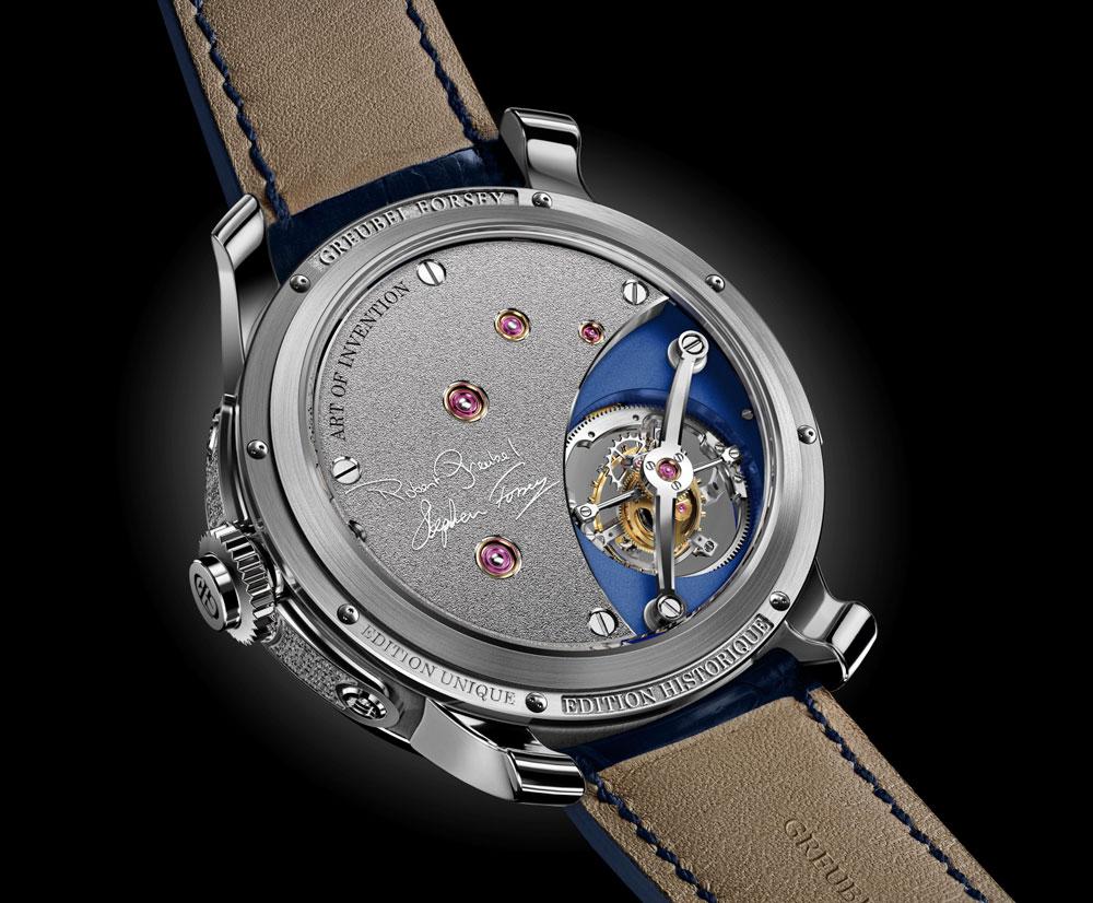 El nuevo reloj Art Piece Edition Historique está equipado con un nuevo mecanismo de carga manual de 36,40 mm de diámetro y 12,37 mm de altura, formado por 475 piezas