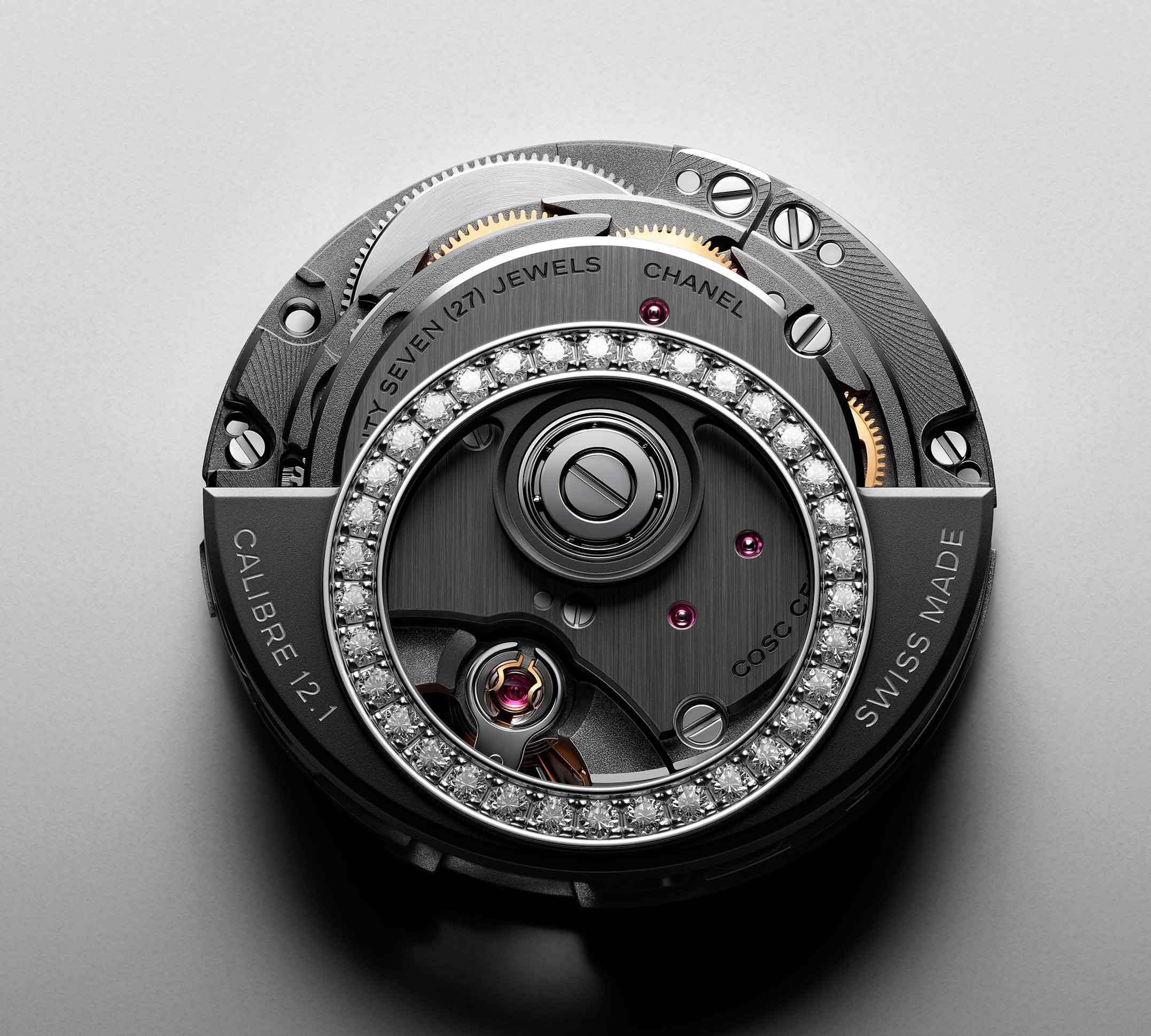 Calibre 12.1 del reloj Chanel J12 con rotor engatado com diamantes