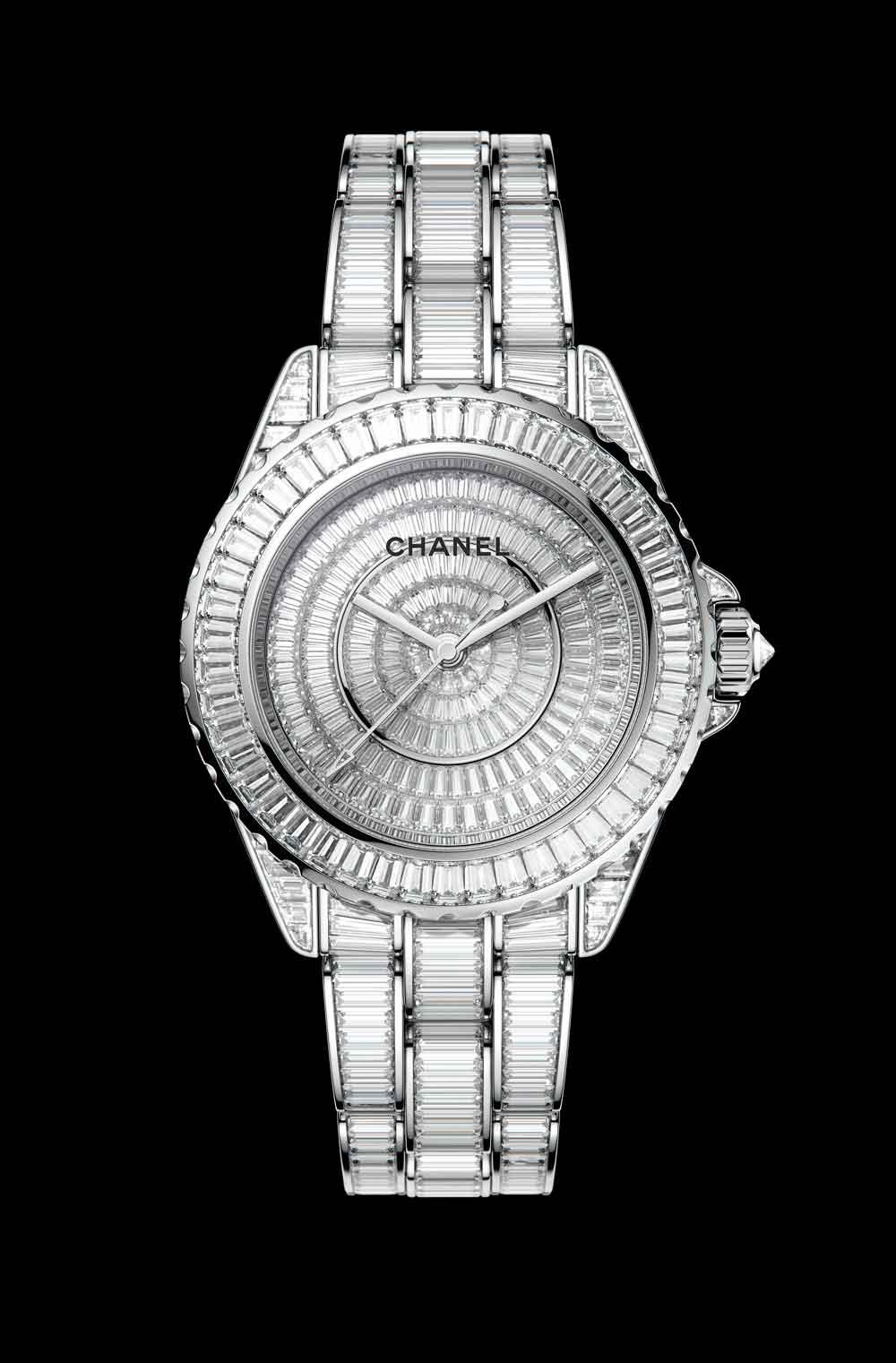 Nuevo reloj J12 Chanel engastado completamente con diamantes baguette